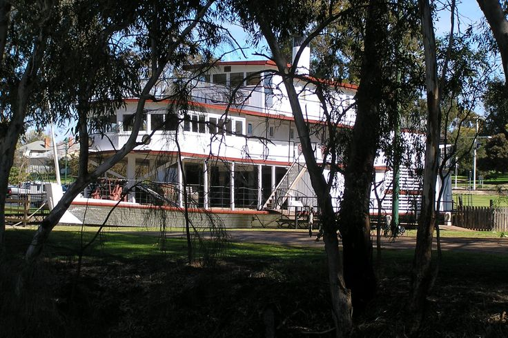 PS Gem at Pioneer Settlement, Swan Hill, Victoria before building the new wharf c.2010
