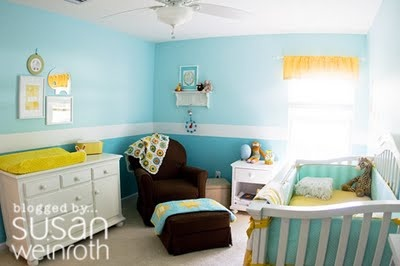 Love the chair rail molding on this room.  I think I want to do this in Blake's room.