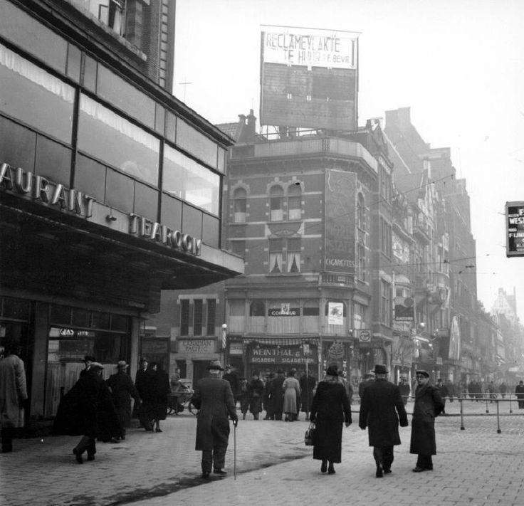 Hoek Coolsingel, Aert van Nesstraat omstreeks 1940