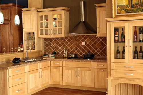 Best 17 Best Images About Maple Cabinets White Appliances On 400 x 300