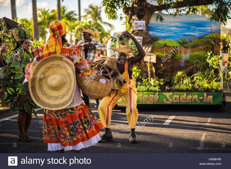 France, Guadeloupe, Grande Terre, Pointe a Pitre, dancers