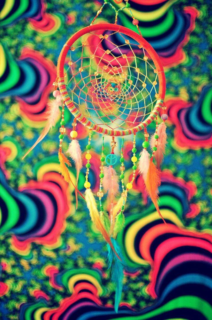 """Очаровательный Ловец снов """"Радость"""" исполненный в стиле хиппи.  В это чудо заключена сила дружбы и оптимизма. Настроен привносить в жизнь своего хозяина счастье, любовь и солнце!"""