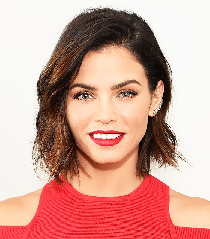 Jenna Dewan Tatum with a tousled bob and a red lip