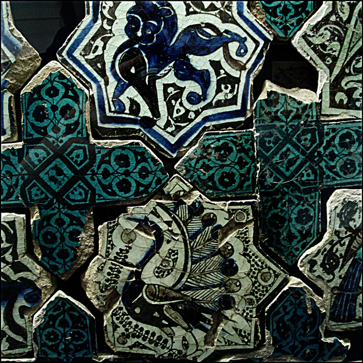 Tile in the Seljuk Ceramics Museum in Konya, Turkey © 2005