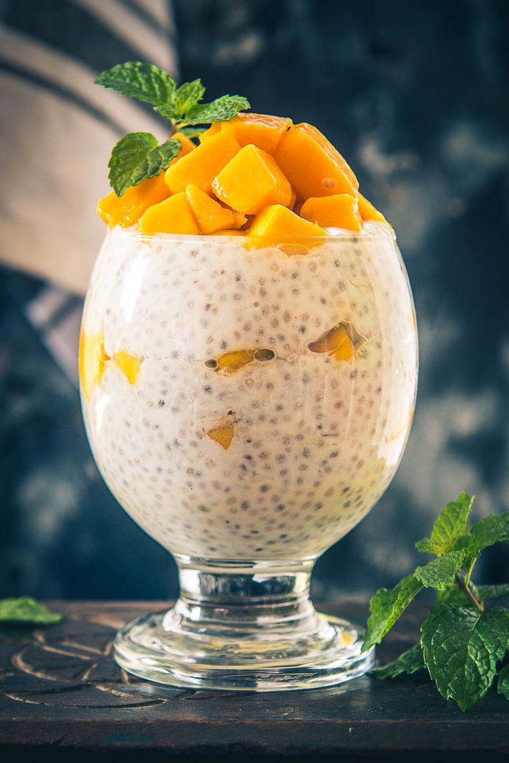 Mango Chia Pudding, Mango Chia Seed Pudding, chia pudding with mango puree, mango chia breakfast, chia seed coconut milk pudding