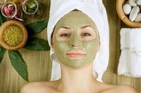 Aprenda como firmar a pele de uma maneira natural e caseira, com uma receita eficiente e barata para você usar todos os dias na pele, dando a ela uma aparência melhor e cada vez mais firme.