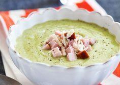 Pepparrot som smaksättare gör den här lätta soppan överraskande god! Komplettera med bröd om du vill höja energivärdet, eller ta en större portion!