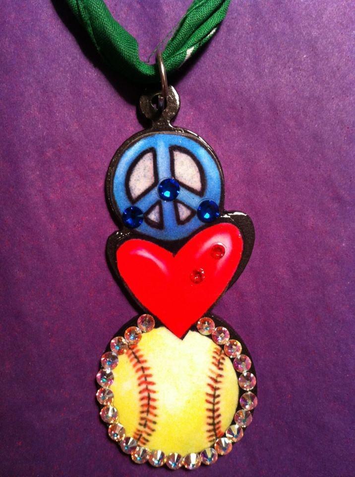 Peace, Love, Baseball Bling Pendant: Baseball Crafts, Baseball Bling, Favorite Sports, Bling Pendants, Fun Stuff, Lynzee Favorite, Baseball Fun, Shoes Crafts, Maegan Taylors