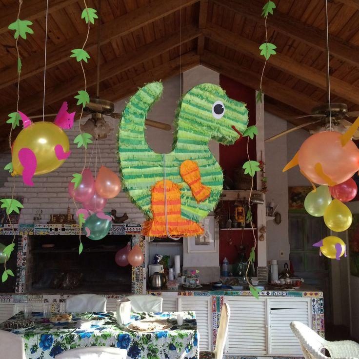 Dinosaur party decorations - Decoración: cumpleaños de dinosaurios.