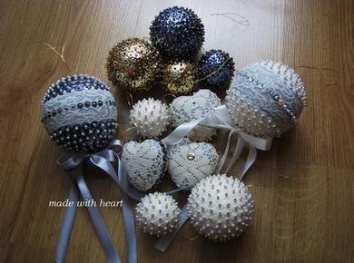 Dekoracyjne, cekinowe kule świąteczne