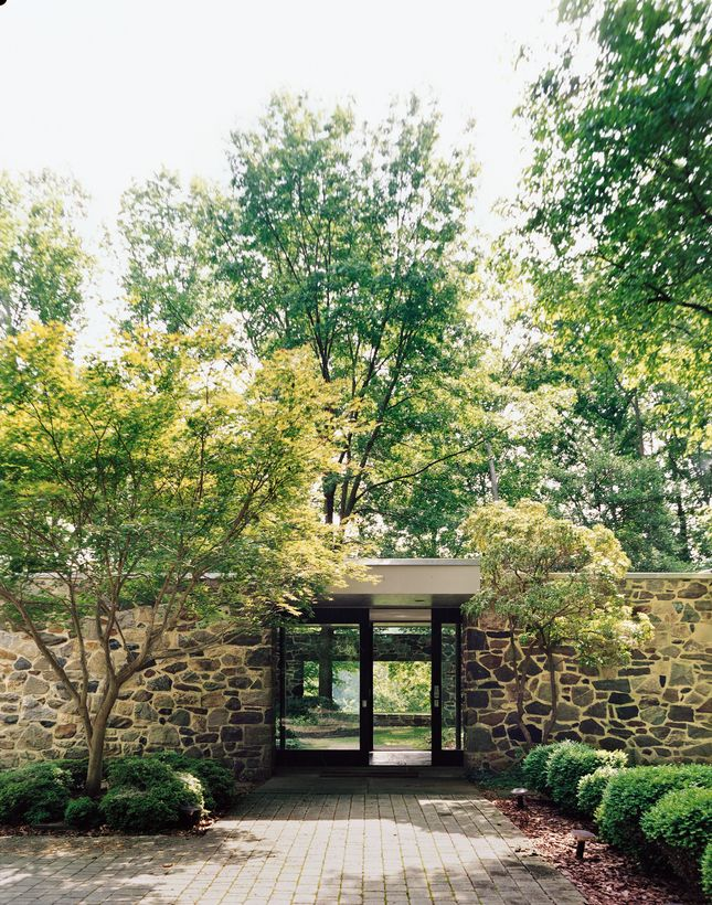 Mid century modern architecture - Hooper House II (1959) by Marcel Breuer. In 1959 Marcel Breuer created a spectacularly long, low house of Maryland fieldstone in a wooded sanctuary outside of Baltimore.
