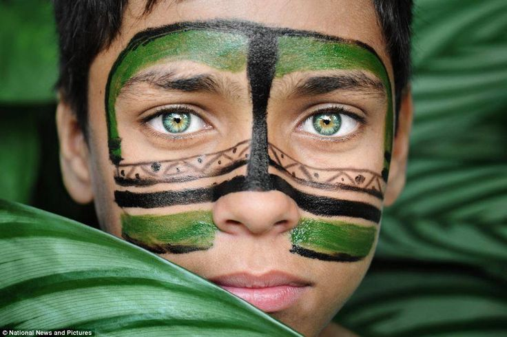A young member of the indigenous Dessana tribe in Amazon.   Photography: David Lazar