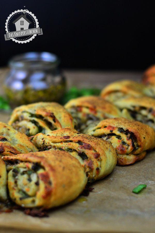 Pinwheels mit Pilz Pesto und schwarzem Pfeffer - Pinwheels with mushroom pesto and black pepper