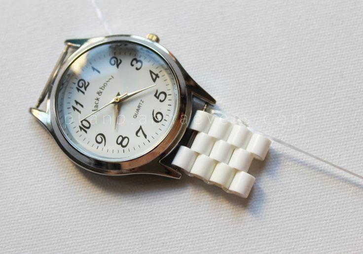 Plan B anna evers DIY Hama beads watch step 6 ♪♪Teresa Restegui http://www.pinterest.com/teretegui/♪♪