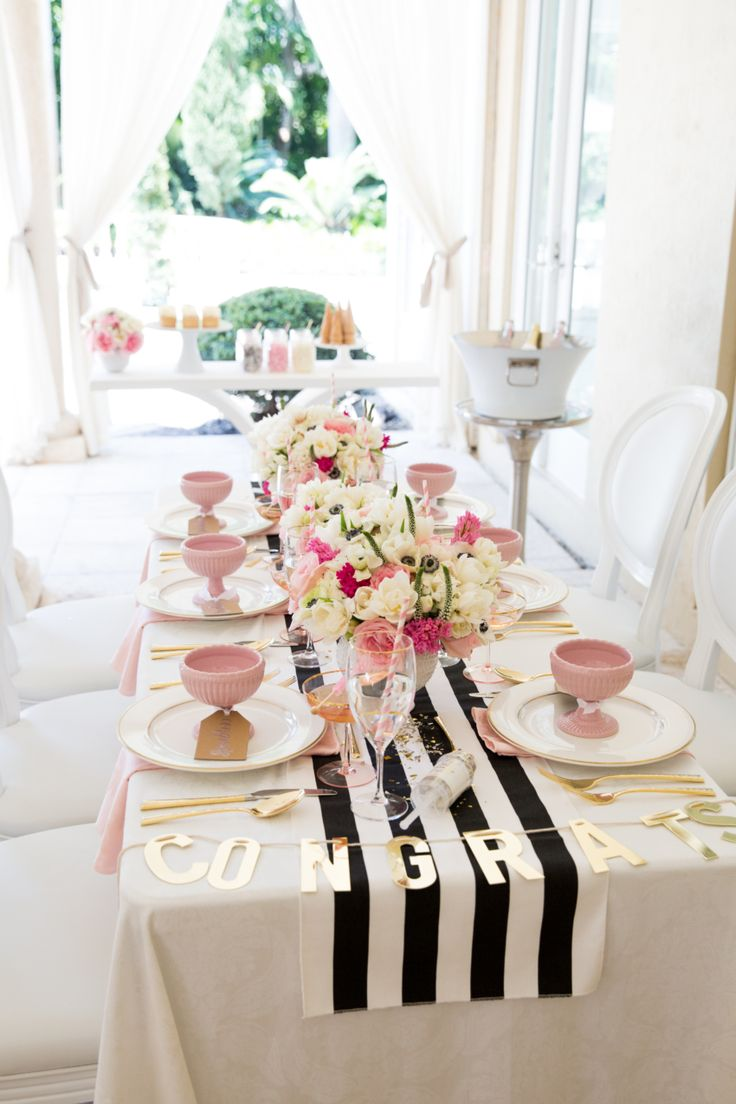 Table decoration for party - How To Host The Prettiest Graduation Party