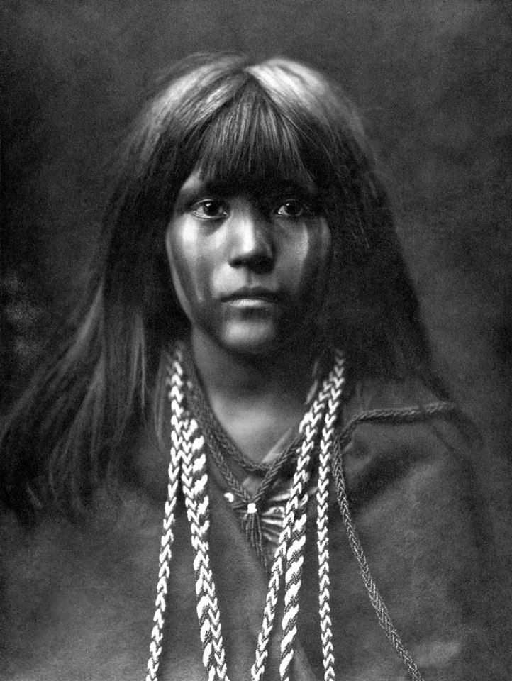 Edward Curtis, Mosa mohave (1903).  (Beautiful!!)