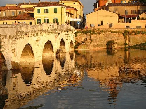 Ponte di Tiberio - Borgo San Giuliano - Rimini, via Flickr.
