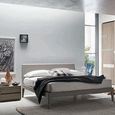 Contemporary, elegant 'Whiskey' bed by Orme