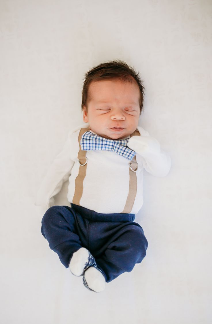 baby boy coming home outfit, with preppy bow tie, navy and brown via @deuxpardeuxKIDS