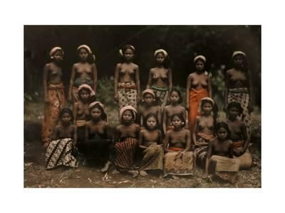 Balinese Women Pose for a National Geographic Photographer Photographic Print by Franklin Price Knott at eu.art.com