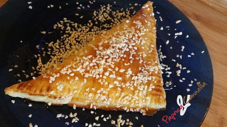 sfogliatelle al cioccolato bianco e miele - paprica e cannella
