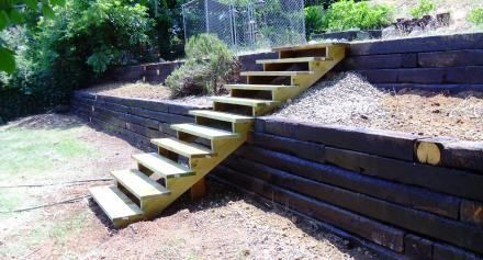 Dundee Concrete & Landscaping | Railroad Tie Walls
