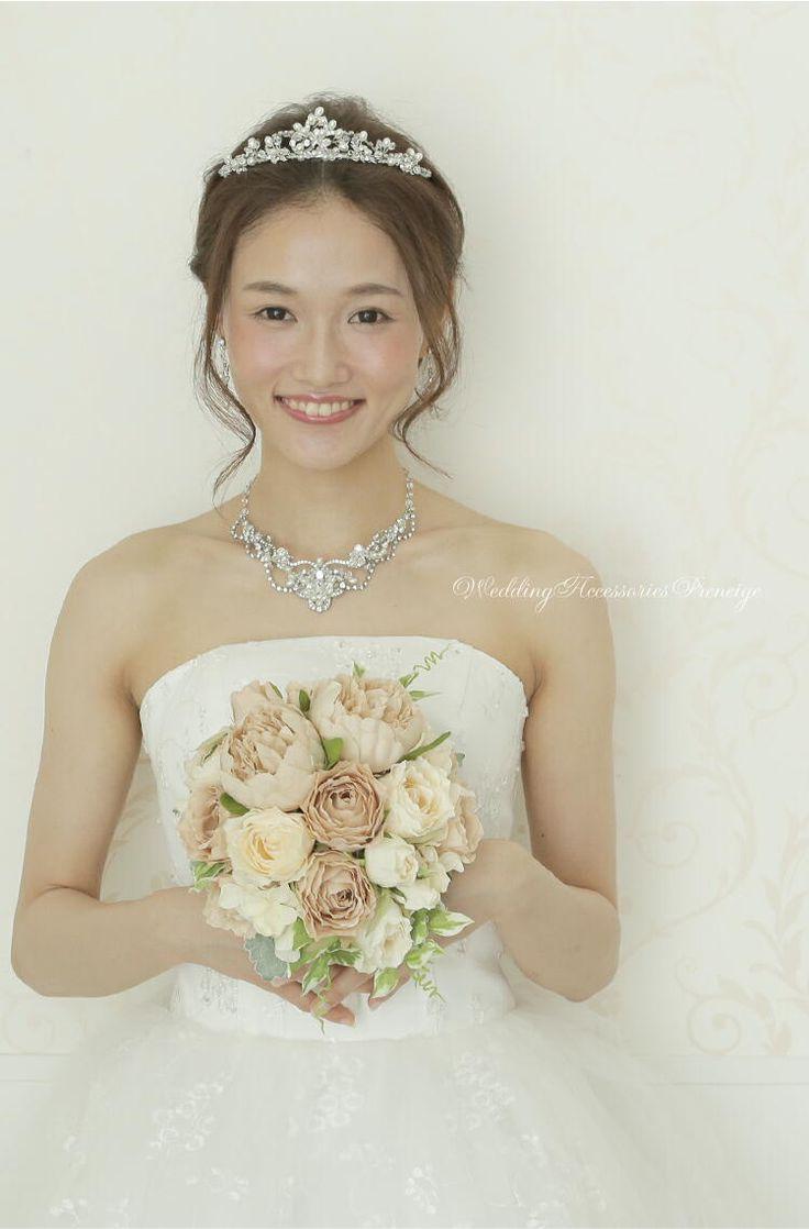 ティアラ ウェディング ブライダルアクセサリー 花嫁 ヘアスタイル 画像