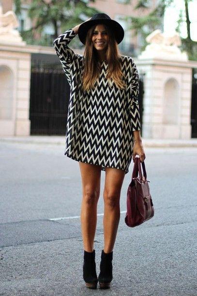 2014 New Fashion Black&White Chevron Dress Women's long Sleeve Mini Dress doll cute outfits tunic dress Lady Fashion Clothes