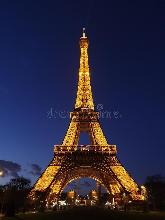 Eiffel Tower At Night Editorial Stock Photo Image Of Lights 168652188 Eiffel Tower At Night Eiffel Tower Eiffel Tower Lights