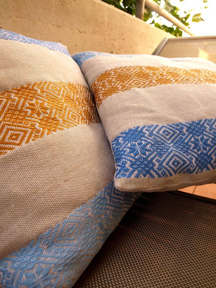 Cuscini tessuti con tecnica a liccetti!