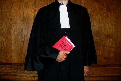 Découvrez des bons contrats #santé dédiés aux auxiliaires de justice à des tarifs pas chers >> http://www.mutuelles-comparateur.fr/mutuelle-avocat-liberal #Avocat