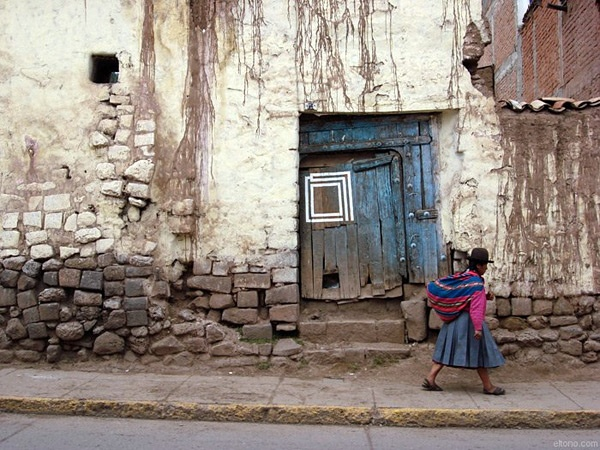 The simple line paintings of Eltono intrigue me. This one is in Cuzco, Peru, a place I really must visit.