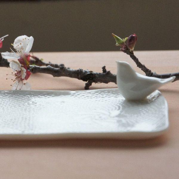 vassoio-birdy-da-dessert-in-finissima-porcellana-bianca via Polyvore featuring home e kitchen & dining