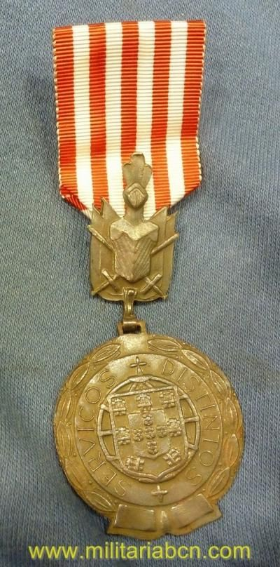 Portugal.    Medalla por Servicios Distinguidos en Campaña. Versión plata. Modelo 1971.