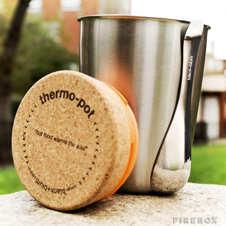 Nerezová termoska se lžičkou ThermoPot je určena k přenášení a konzumaci teplých a studených jídel.