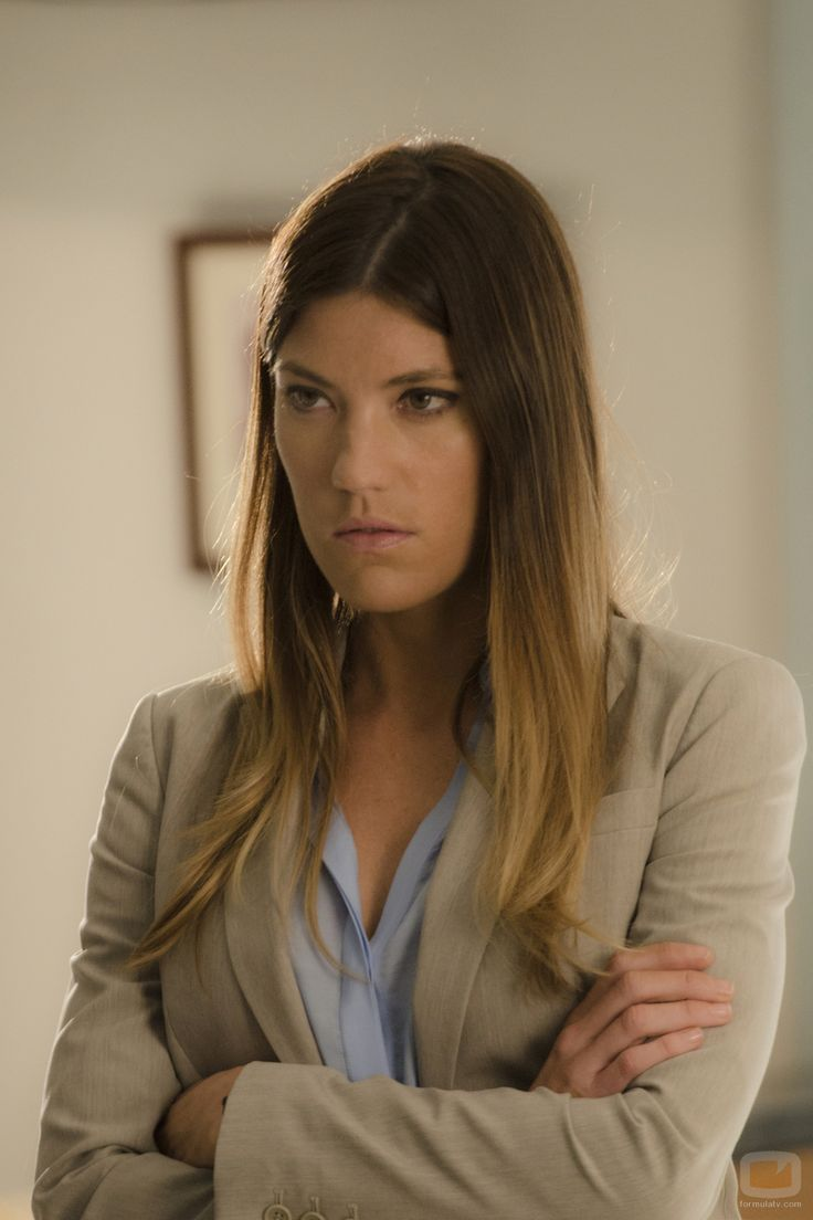 """Jennifer Carpenter Debra Morgan in """"Dexter"""" That look in Debra's eyes means somebody, probably her brother, won't have an ass left to sit on in a minute. Deb was adorable BUT she was damn scary when she got mad."""