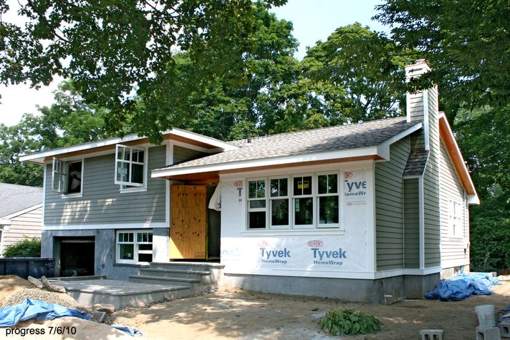 How To Make A Split Level More Modern Larchmont Split House Pinterest Split Level Home Split Level House Plans And Clapboard Siding