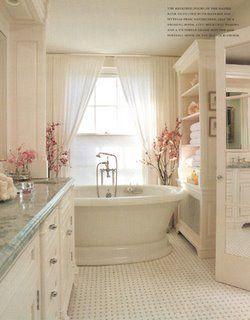 wow, very pretty: Bathroom Design, Bath Tubs, Bathtubs, Dreams Bathroom, Interiors Design, Dreams House, Beautiful Bathroom, White Bathroom, Pink Bathroom