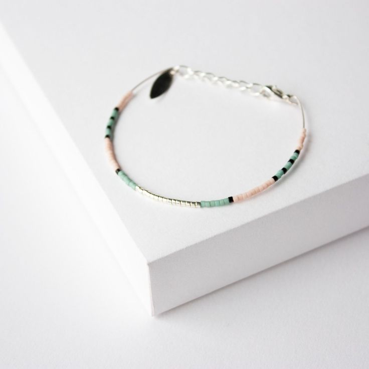 BRACELET JONC - PLAQUÉE ARGENT - PERLES MIYUKI - vert d'eau noir et nude  Bracelet 100% fait à la main en France !!  ► DESCRIPTION   Bracelet jonc avec perles miyuki et b - 13873779