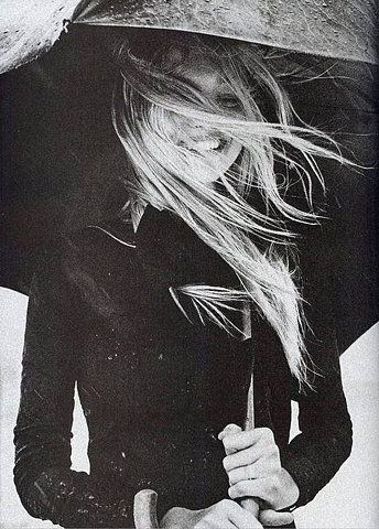 smiling in the rain: Picture, Inspiration, Style, Smile, Hair, Rainy Days, Black, Photography