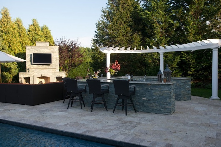 Outdoor kitchen and bar by green island design http for Outdoor kitchen islands and bars