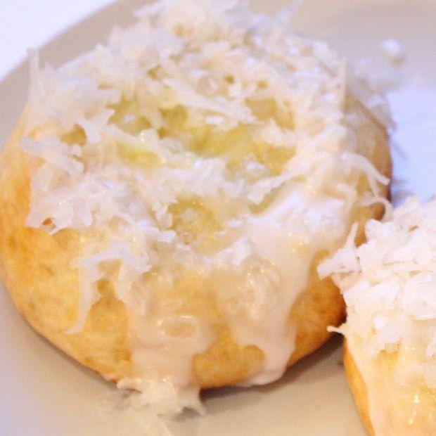 Norwegian Recipes: Sweet Vanilla Custard Buns!