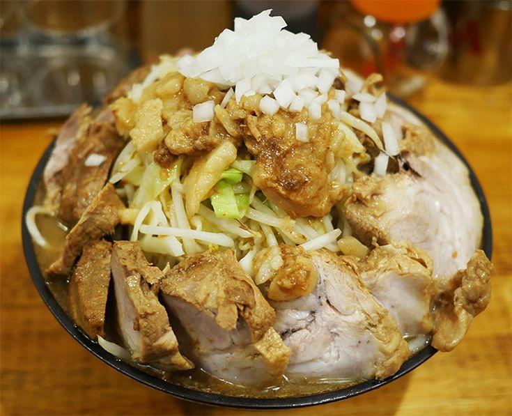 ラーメン二郎を超えた二郎系ラーメン屋『盛太郎』が、JR神田駅エリアにオープンした。このエリアは、秋葉 …