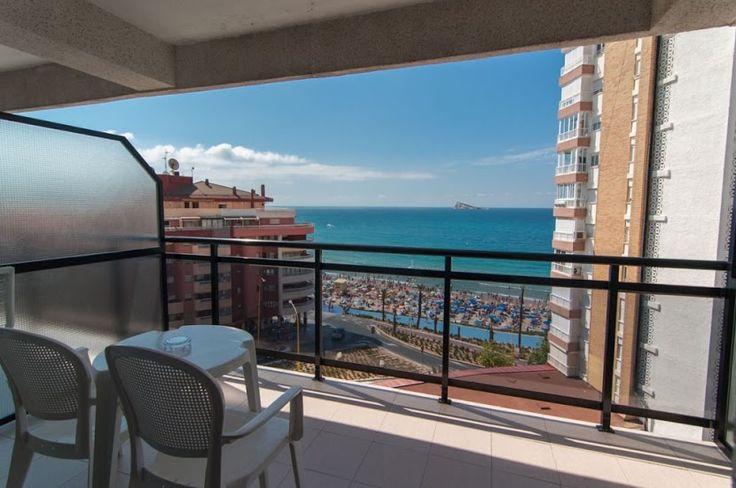 Hotel RH Corona del Mar Benidorm - Vistas a la isla de Benidorm desde la terraza de la habitación