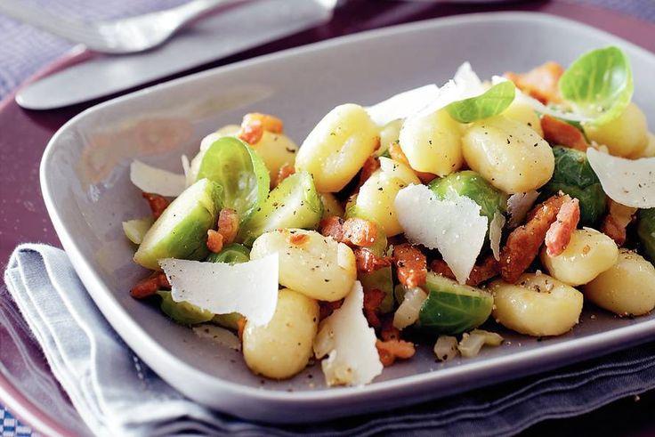 Kijk wat een lekker recept ik heb gevonden op Allerhande! Gnocchi met spruiten en spekjes