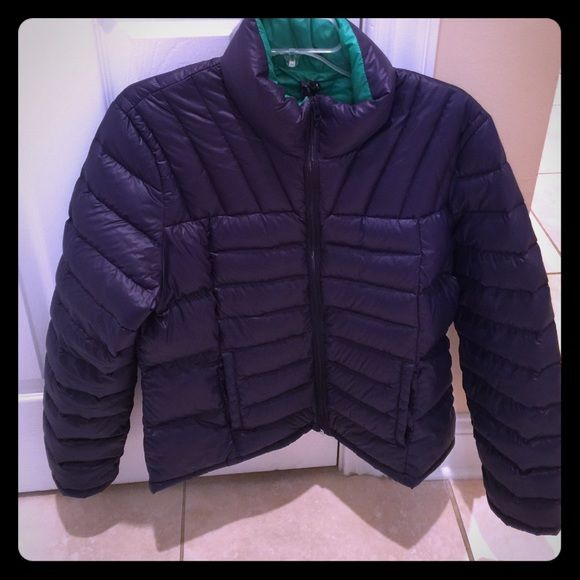 Last Chance Brand new packable jacket ‼️Brand New‼️Women's Bernardo packable  jacket. Sits on waist, it's very comfortable and cozy!! Color blue, size large and it has never been worn. Bernardo Jackets & Coats Puffers