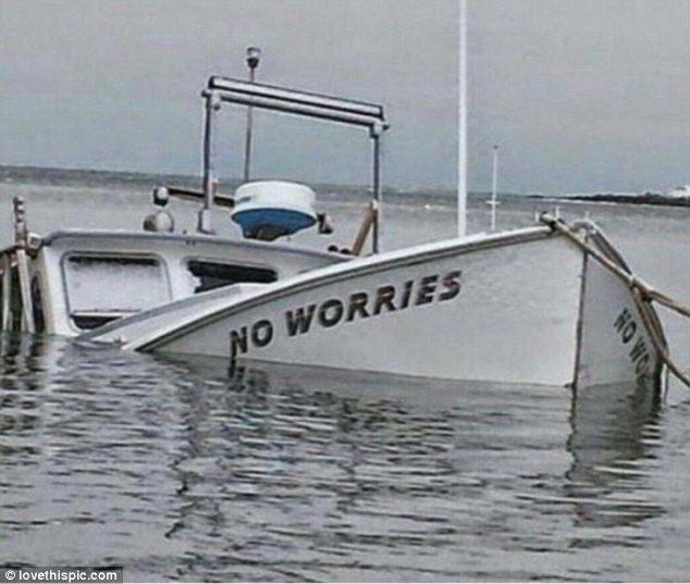 (っ◔◡◔)っƮɧɨɲɠʂ Ʈɧą৳ ᘻąƙҽ ᘻҽ Լąմɠɧ ~   Whoever decided to name a boat 'No Worries' surely must have considered whether they were tempting fate