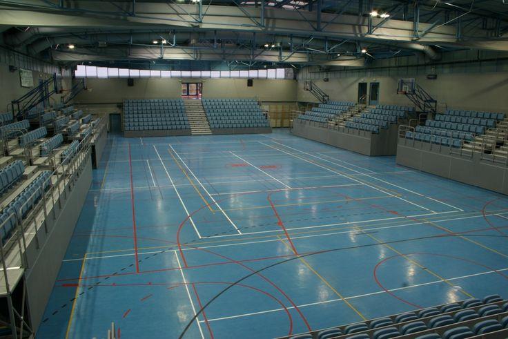 Kto pamięta tą realizację? Oczywiście to #trybuny #sportowe TW-2. Niebieski kolor ma coś w sobie, prawda?  http://www.wamat.com.pl/pl/oferta/trybuny/