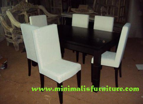 http://www.minimalisfurniture.com/set-kursi-makan-minimalis-putih.html