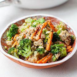 Ryż smażony z kurczakiem, brokułami i marchewką   Kwestia Smaku
